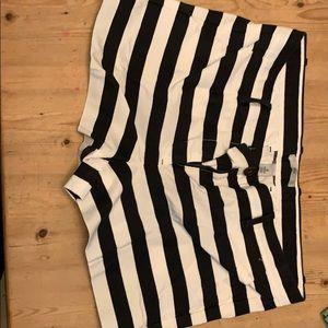 Gap size 4 black and white stripe shorts